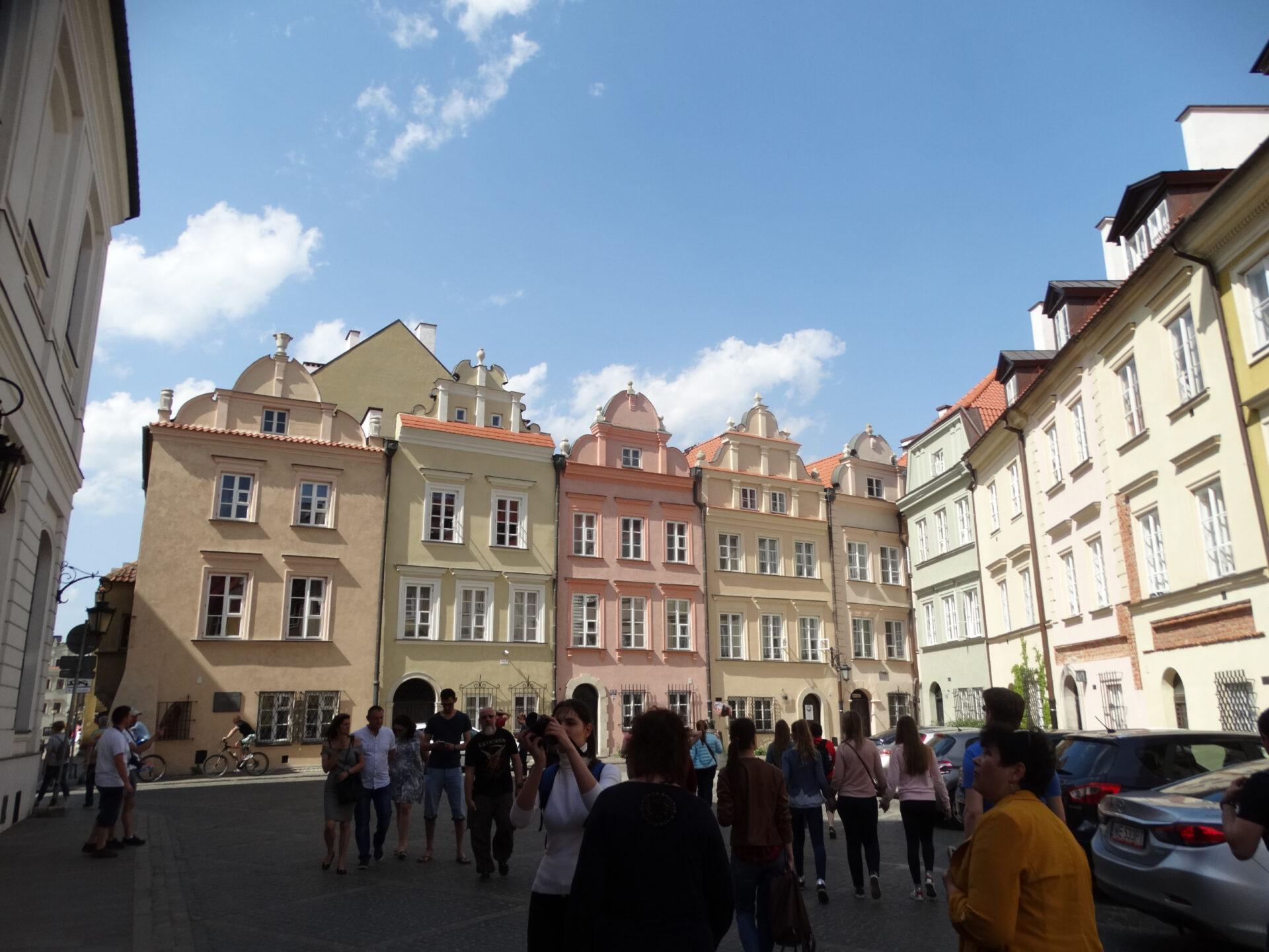Яклоню свою голову шалую Пред Варшавою, пред Варшавою…