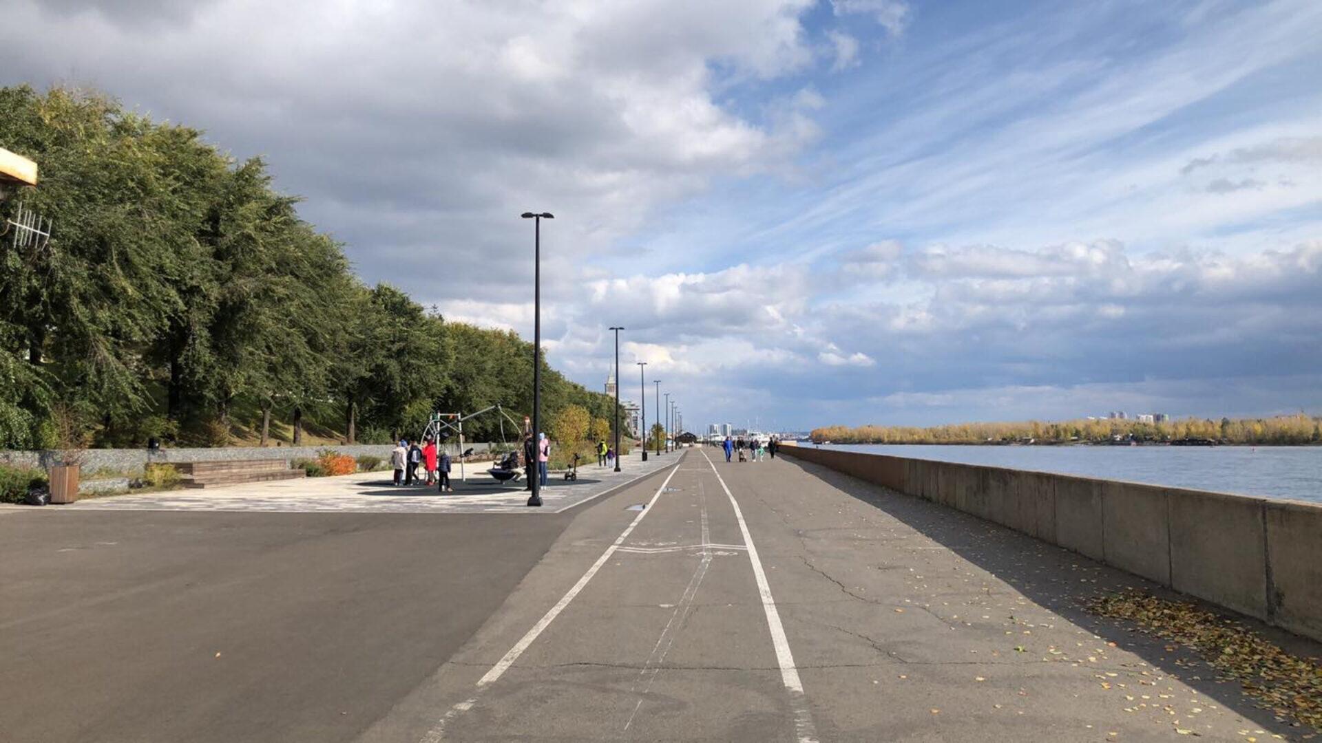 Прогулка понабережной реки Енисей вКрасноярске