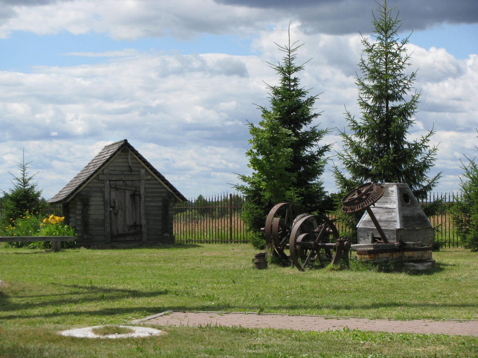 Изсолнечной Сибири вдождливую Беларусь. Часть 2: Дудутки